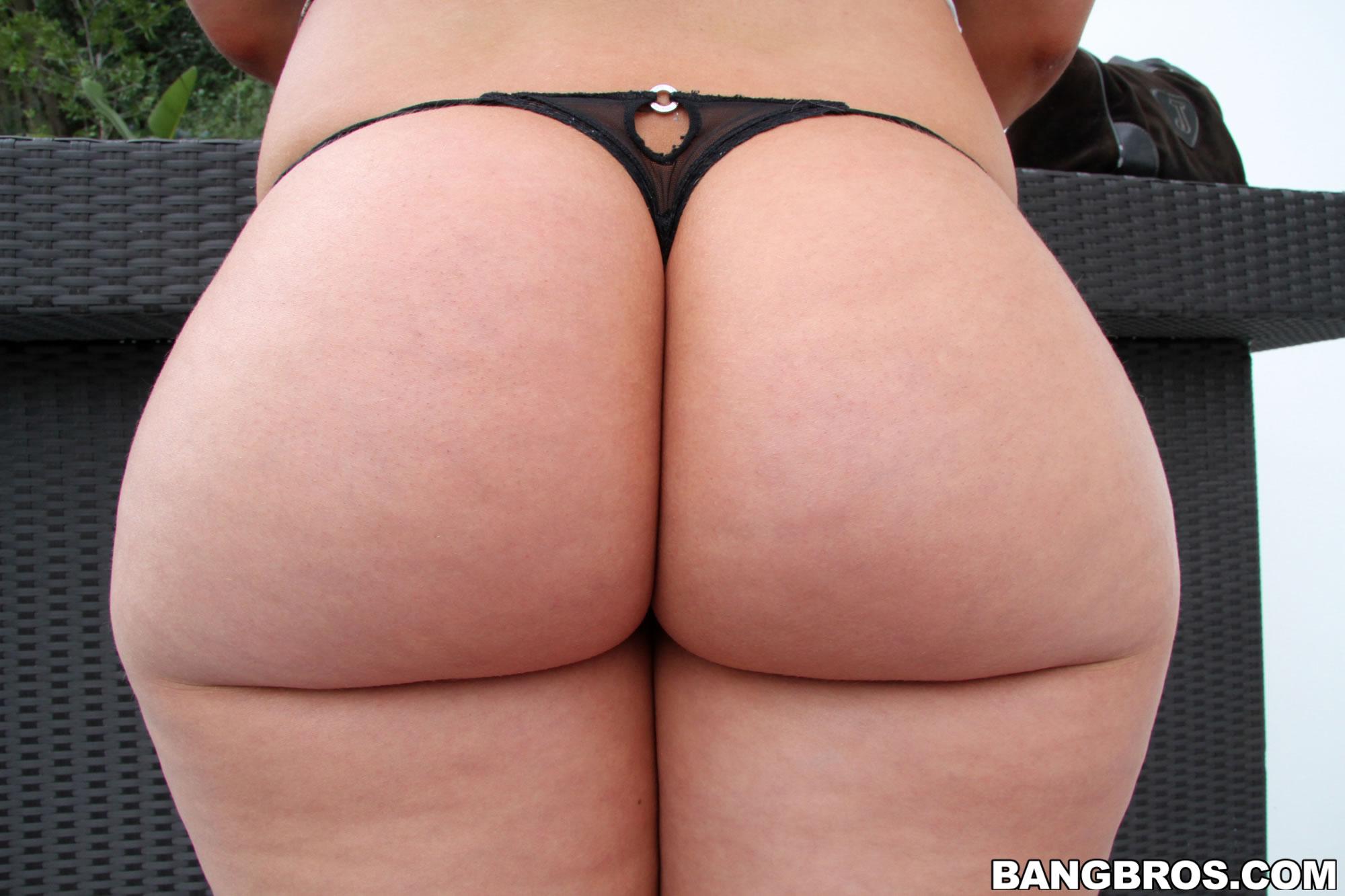 Фото гигантские задницы, голые жопы - ххх Фото больших и огромных жоп 12 фотография